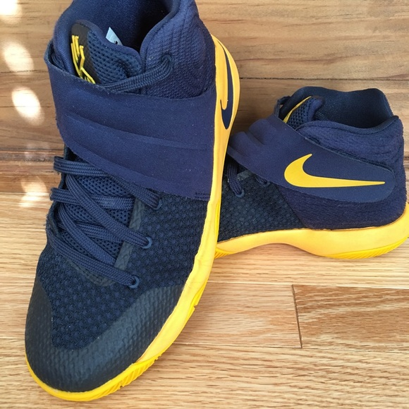 new product 80ecb b13d5 Nike Kyrie Irving 2 GS 'CAVS' Shoe